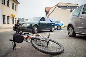 Rowerzysta odniósł liczne obrażenia