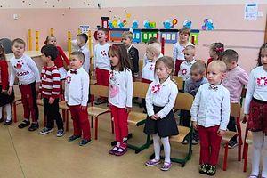 """Dzień Niepodległości w przedszkolu nowomiejskiej """"Trójki"""""""