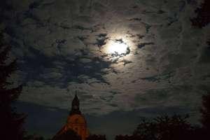 Zdjęcie Tygodnia nr 196. Wieczorem w Bisztynku. Niesamowite niebo