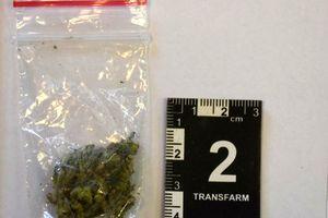 Osiemnastolatek zatrzymany z narkotykami