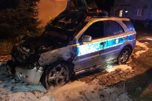 Spłonął radiowóz policjantów z Sępopola