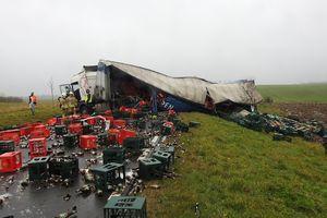 Na krajowej 57 wywróciła się ciężarówka z piwem