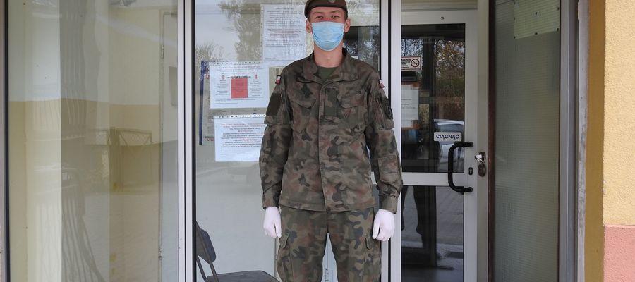 Paweł ze Szczytna - żołnierz WOT pomagającyc w nidzickim szpitalu