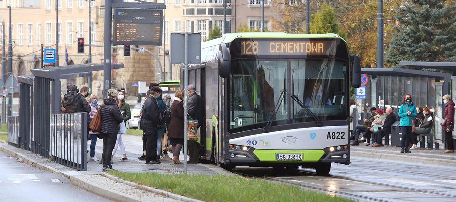 """Zmiany w komunikacji miejskiej w Olsztynie. Wracają przystanki """"na żądanie"""""""