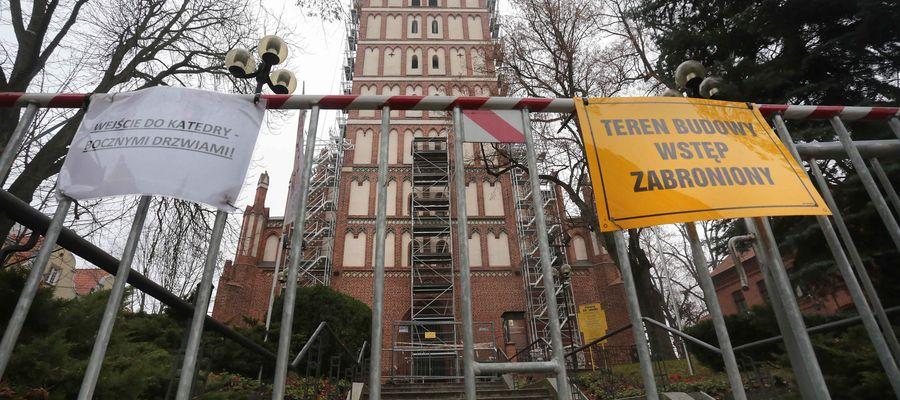 Na początku grudnia rusztowania wokół olsztyńskiej katedry zostaną zdemontowane .