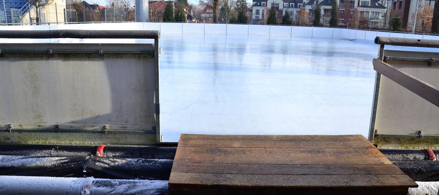 W normalnych czasach lodowisko miałoby ruszyć 15 grudnia