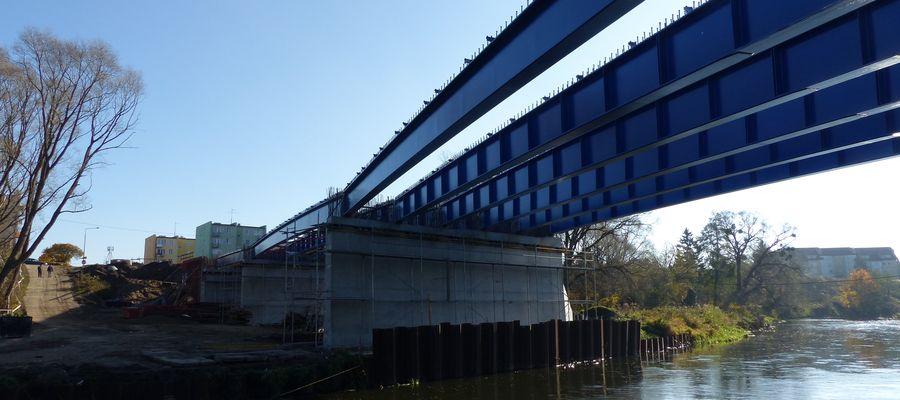 Most powstający na rzece Łynie w Bartoszycach, na przedłużeniu ulicy Poniatowskiego