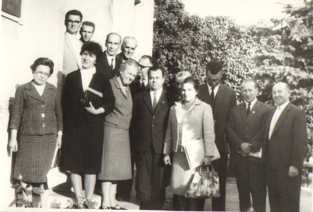 Zarząd Towarzystwa z 1961 roku, w tym: Stanisław Bieńkowski, Helena Chrzczonowska, Irena Markowska, Zofia Kazenas, Ryszard Juszkiwicz
