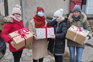 Zamiast Wigilii przygotowali świąteczne paczki