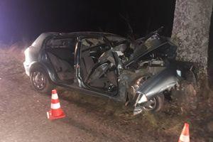 Dwie osoby trafiły do szpitala. Policjanci wyjaśniają okoliczności wypadku