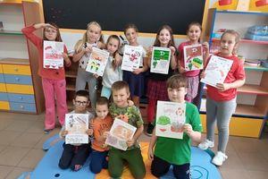 Uczniowie z Nakomiad ślą kartki do bohaterów Powstania Warszawskiego