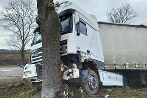 Pięć wypadków, sześć osób rannych. Policjanci podsumowali weekend na drogach Warmii i Mazur
