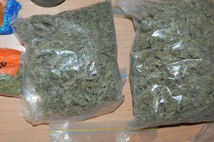 Miał ponad kilogram marihuany. Wpadł w ręce policji