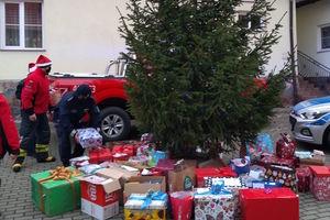 Dzięki policjantom Mikołaj zawitał do wydmińskich seniorów
