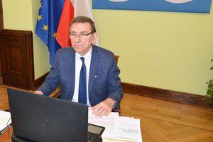 Prezydent Olsztyna wygrał z COVID i wrócił do ratusza