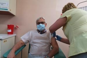 Instrukcja: kiedy i jak się szczepić