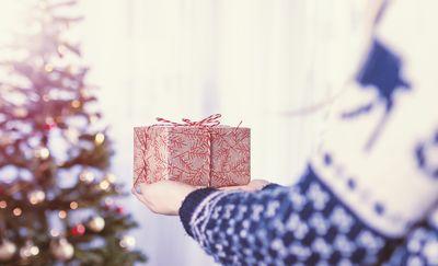 Nietrafione prezenty i inne gafy, które popełniamy podczas świąt