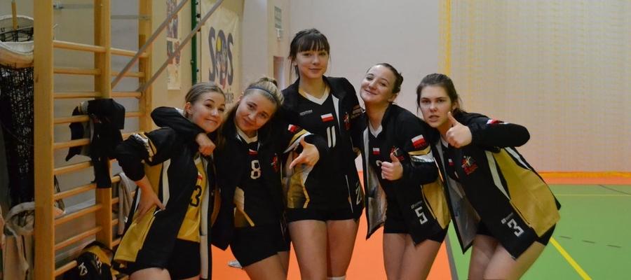 Juniorki z Iławy podczas meczu w Ełku