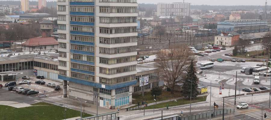 Na razie nie będzie ani sprzedaży ani wyburzania wieżowca, który stoi przy dworcu w Olsztynie