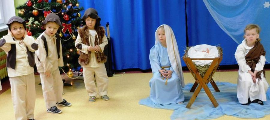 Jedna ze scen przedszkolnego spektaklu