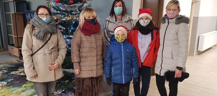 Wizyta przedstawicieli SKO w Domu Dziecka w Pacółtowie