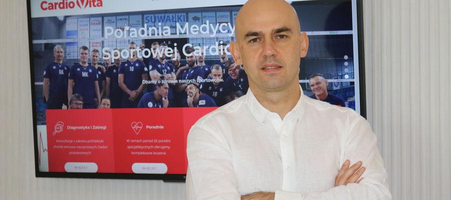 Dr Adam Gorlo  kardiolog, Klinika Cardiovita, członek Europejskiej Asocjacji Zaburzeń Rytmu Serca i Sekcji Rytmu Serca Polskiego Towarzystwa Kardiologicznego