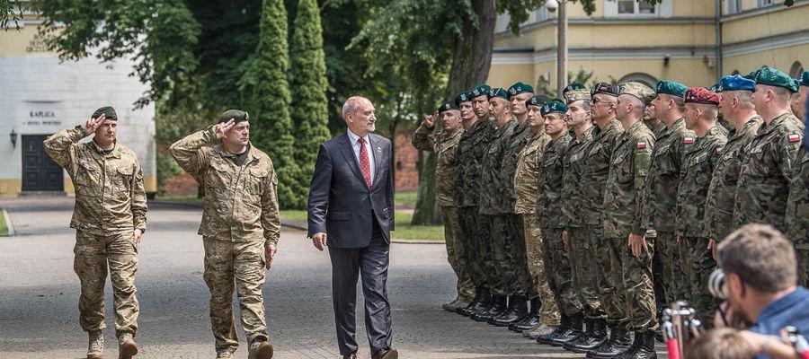 Tworzenie Wojsk Obrony Terytorialnej rozpoczęło się 30 grudnia 2015 od powołania przez ówczesnego Ministra Obrony Narodowej Antoniego Macierewicza pełnomocnika ds. Utworzenia Obrony Terytorialnej. WOT zostały utworzone 1 stycznia 2017 roku