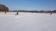 Pojawił się lód, lud ruszył więc na ryby. Bądźcie rozważni!