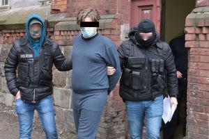 Podejrzewany o napad na kantor w Olsztynie trafił na przesłuchanie do prokuratury [ZDJĘCIA]