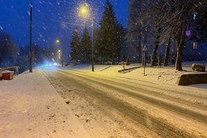 Policja podsumowuje trudny, zimowy weekend na drogach