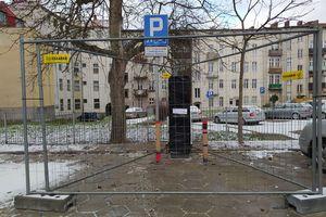 Elbląg: miasto zmniejsza ilość miejsc parkingowych dla niepełnosprawnych