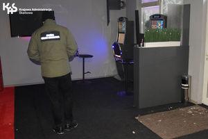 Automaty w… kafejce internetowej