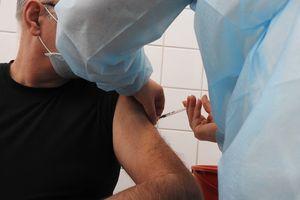 Wolne terminy na szczepienie na Warmii i Mazurach. Sprawdź mapę!