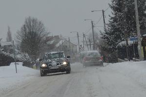 IMGW ostrzega! Może spaść do 10 centymetrów śniegu!