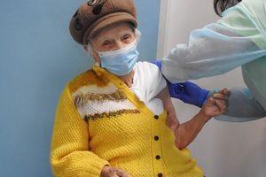 Rozpoczęły się szczepienia seniorów