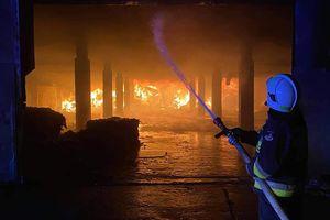 Prawie 30 zastępów przez kilkadziesiąt godzin walczyło z ogniem [GALERIA]