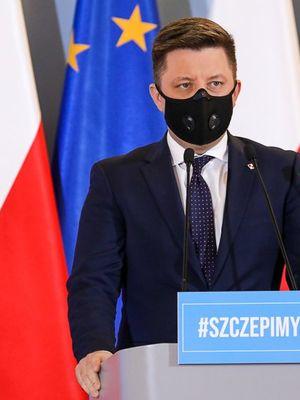 Michał Dworczyk informuje, że czas szczepień się wydłuży. Do Polski dotarła dzisiaj połowa z zaplanowanych szczepionek [LIVE]
