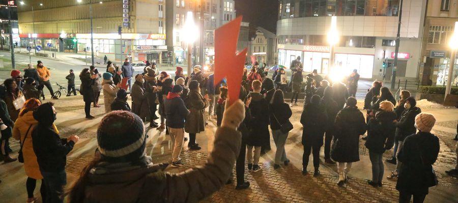 Protest w Olsztynie po publikacji przez Trybunał Konstytucyjny uzasadnienia orzeczenia w sprawie aborcji [ZDJĘCIA, VIDEO]