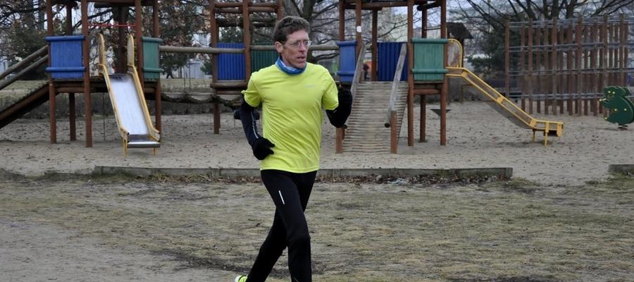 Paweł Petelski podczas treningu biegowego
