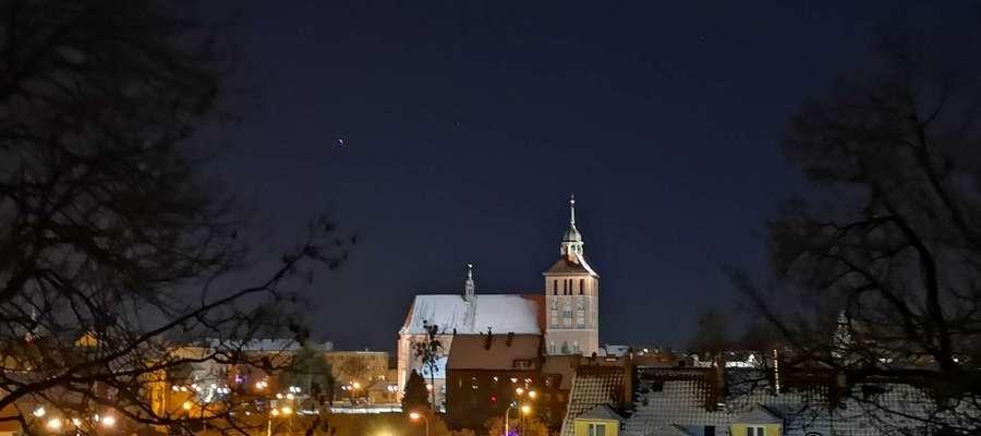 Bartoszyce nocą