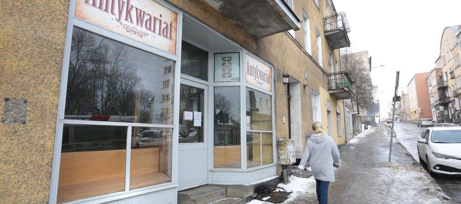 """Nie ma już przy Grunwaldzkiej antykwariatu, nazywanego przez niektórych """"kultowym"""""""