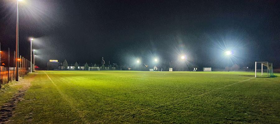 Jajko Arena - w Wikielcu nawet treningowe boisko jest oświetlone