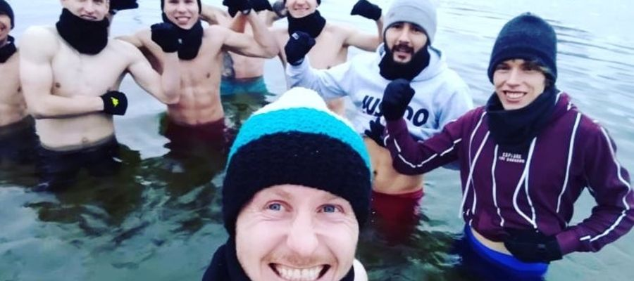 """Ostródzkim """"Sokołom"""" niestraszna lodowata woda"""