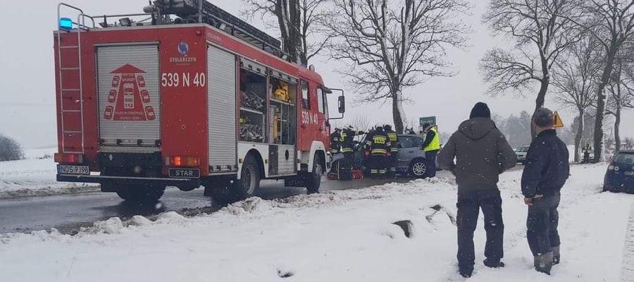 W zdarzeniu drogowym pod Bynowem poszkodowany został kierujący autem