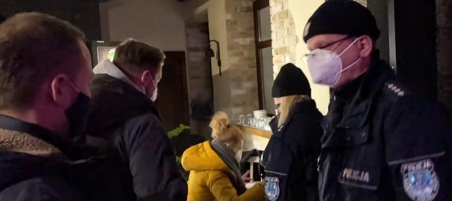 Interwencja policji i sanepidu podczas piątkowej dyskoteki w Olsztynie.
