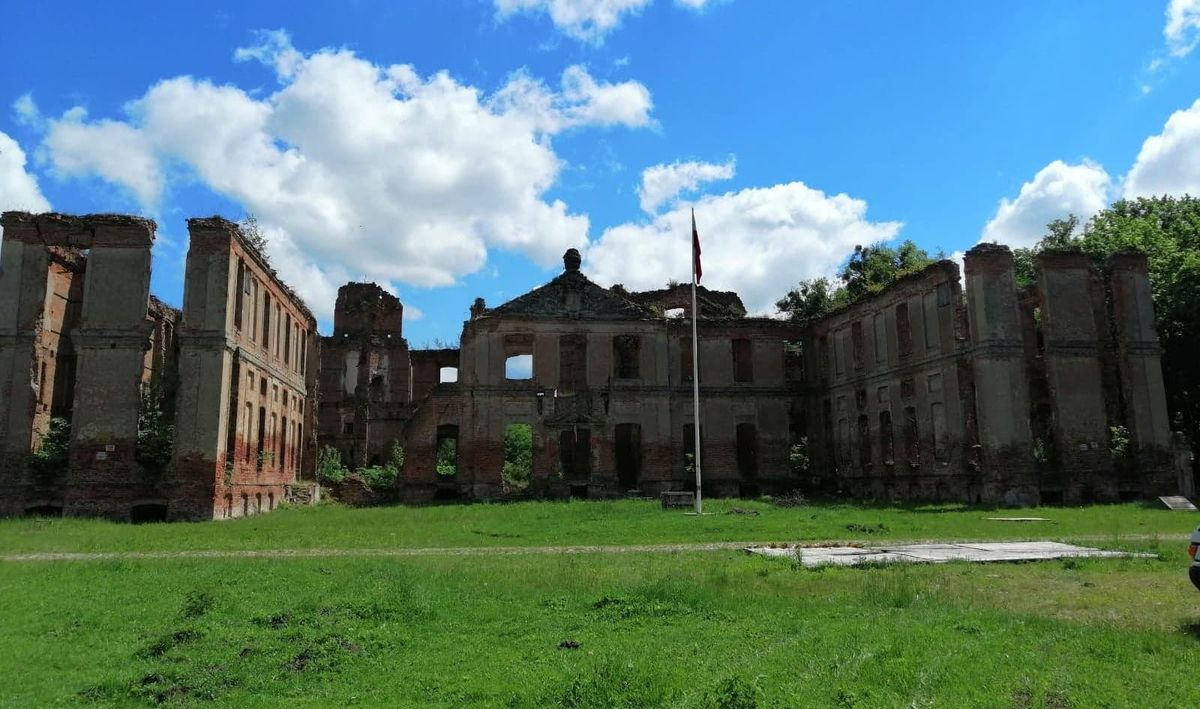 W pałacu Finckenstein — dzisiaj to Kamieniec w gminie Susz, powiat  iławsk