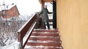 Po sygnale czytelniczki: Czy to schody, czy lodowisko?
