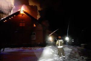 Dwa pożary budynków jednorodzinnych [GALERIA]