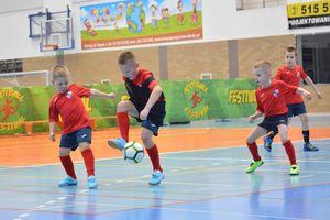 Piłkarskie emocje w hali Lega w Olecku
