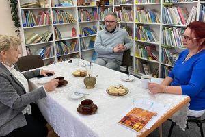 Alicja Bartkowska opowiedziała o swoich podróżach w  jamielnickiej bibliotece